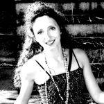 Clara Mure, influenceuse LOKKO -médiatrice, critique Arts plastiques et Danse-