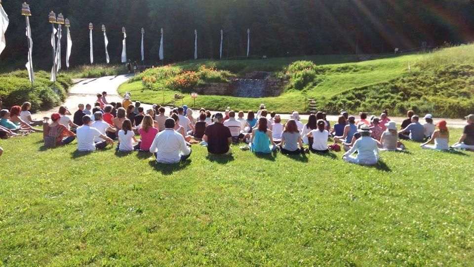 Stage de méditation en plein air à Lérab Ling